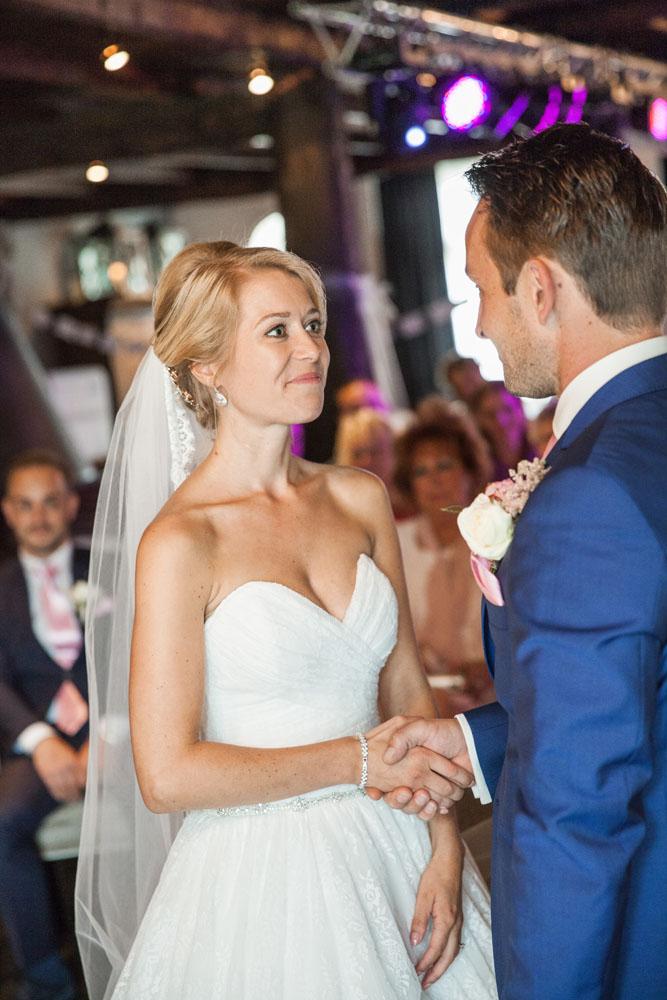 bruidsfotografie-het-klooster-ter-apel-gaffel-wedding-bruiloft-john-miranda00038