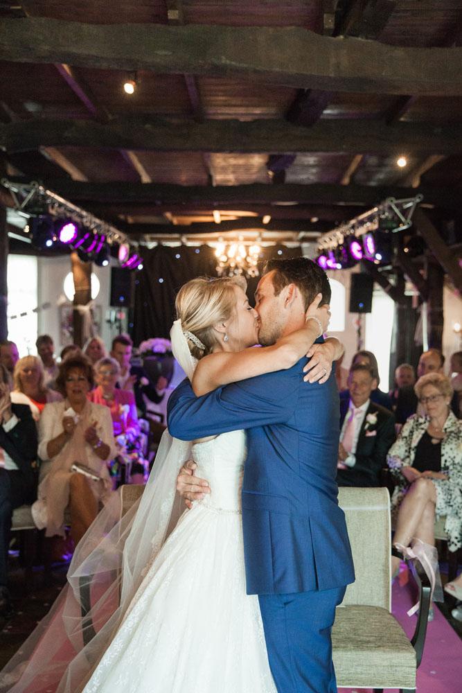bruidsfotografie-het-klooster-ter-apel-gaffel-wedding-bruiloft-john-miranda00040