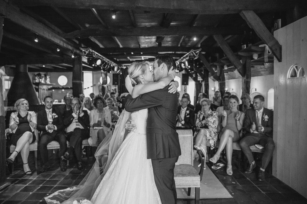 bruidsfotografie-het-klooster-ter-apel-gaffel-wedding-bruiloft-john-miranda00041
