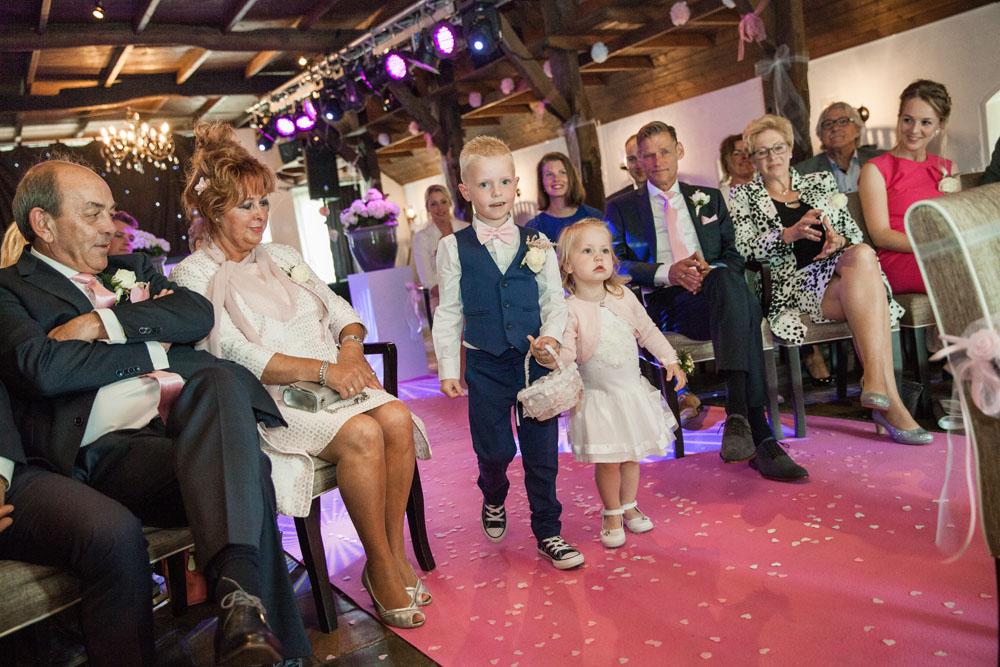 bruidsfotografie-het-klooster-ter-apel-gaffel-wedding-bruiloft-john-miranda00042
