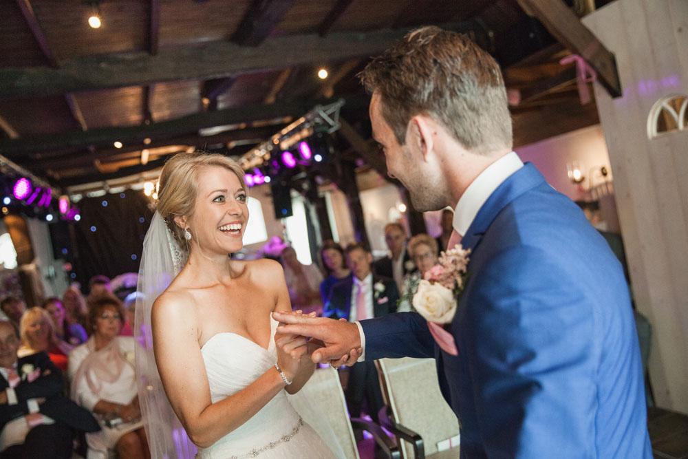 bruidsfotografie-het-klooster-ter-apel-gaffel-wedding-bruiloft-john-miranda00043